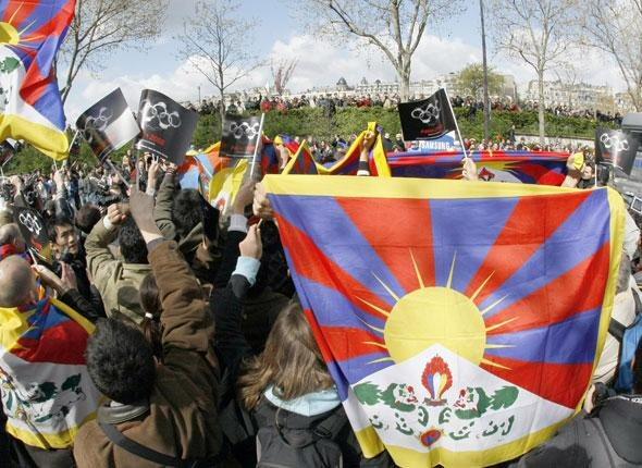 Pro-tibétains sur les quais