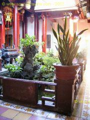 Hoi_An-Temple_Quan_Cong-Patio_4.JPG