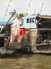 Long_Xuyen-Marche_flottant-Bateau_6.JPG