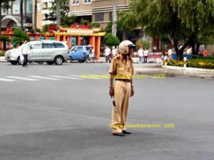 SAIGON - Policier.JPG