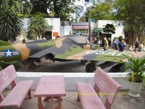 SAIGON-Musee_de_la_Guerre-Avion_US_2.JPG