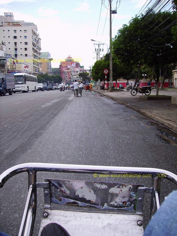 2007 – 2eme Jour – SAIGON – le cyclo-pousse pousse, pousse …