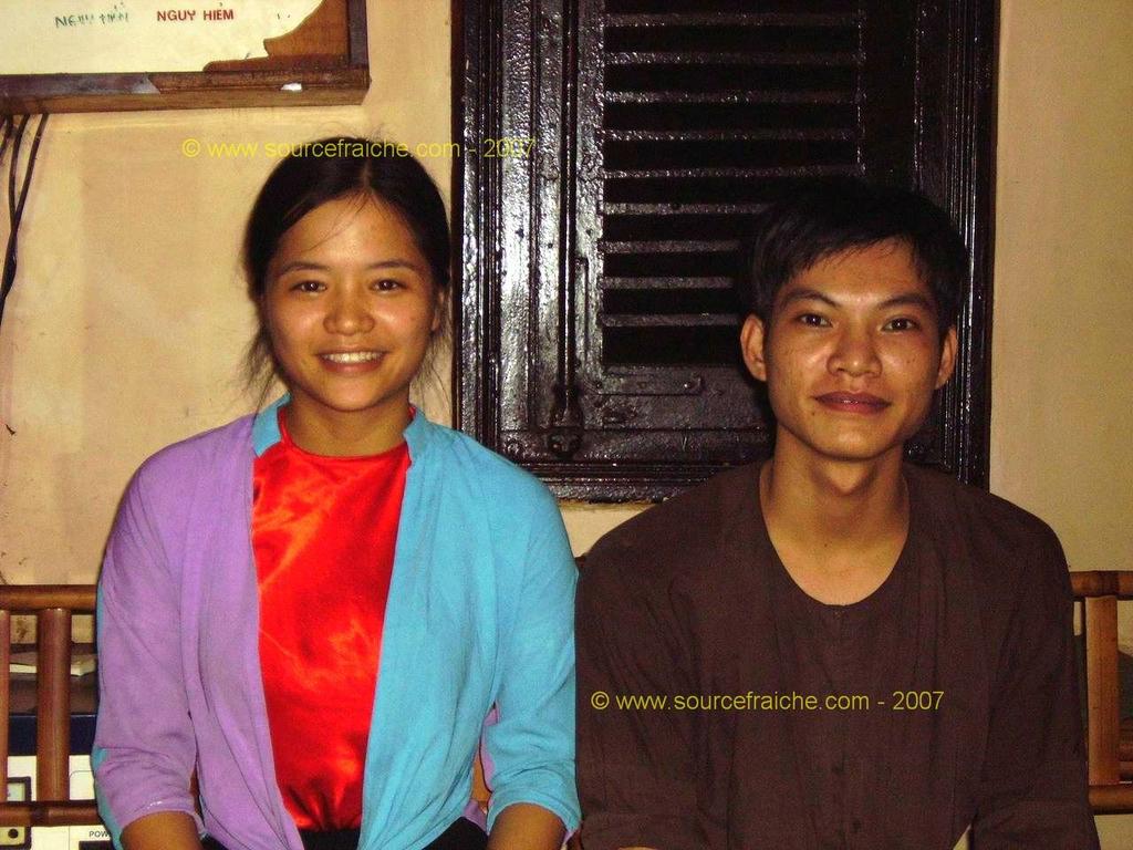 Saigon - Restaurant Huong Xua - Adorables serveurs